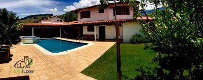 Exclusiva casa ubicada en conjunto privado piedra grande de 613m2t y 568.80m2c