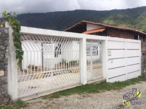 Vende hermosa casa a sólo 15 minutos de la ciudad de mérida, en el sector el valle,