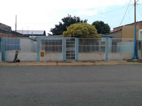 En venta casa en sector barrio sucre, barcelona